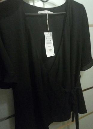 Актуальная блуза на запах zara