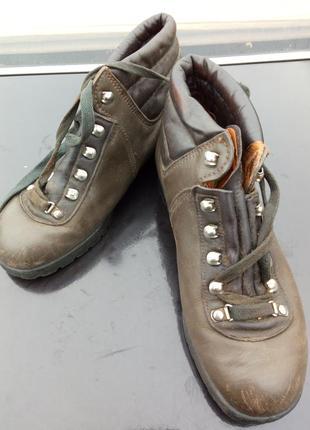 Якісні шкіряні ботинки