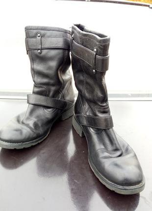Фірмові шкіряні ботинки