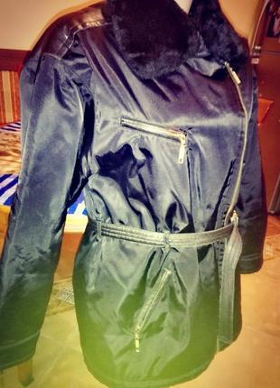 Куртка со вставками под кожу воротник искусственного меха