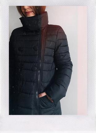 Чёрная зимняя куртка на синтепоне