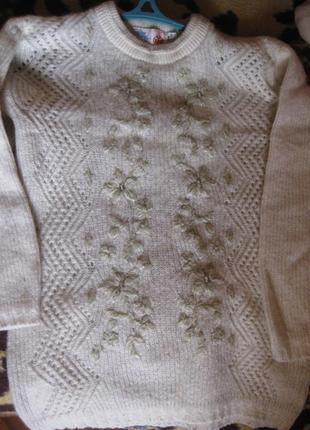 Белый индийский мохеровый свитер