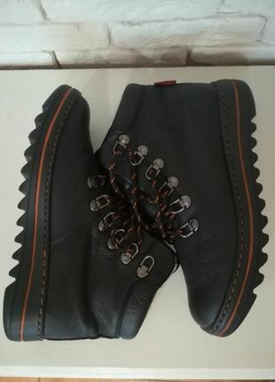 Кожаные ботинки на меху,р.38,bershka