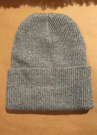 Серая классическая шапка бини
