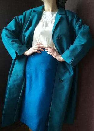 Красивое бирюзовое винтажное пальто