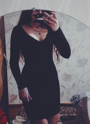 Черное платье по фигуре от boohoo