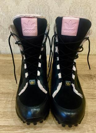 Женские ботинки adidas