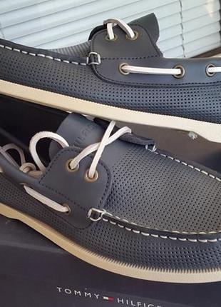 Tommy hilfiger новые кожаные оригинал синие туфли