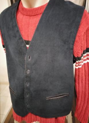 Оригинальный жилет из экозамши и шерсти