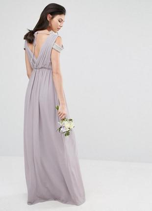 Платье с открытыми плечами и запахом tfnc