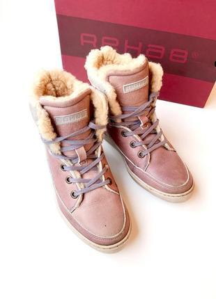 Кожаные зимние ботинки с натуральной овчиной