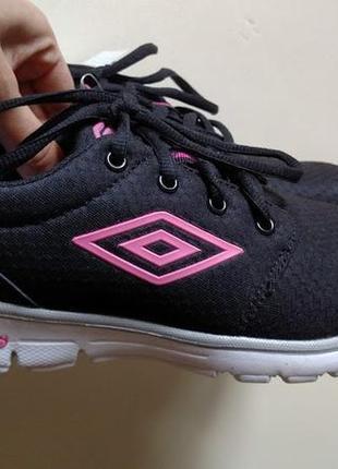 Кросівки umbro нові, 37 розмір.