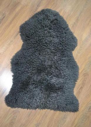 Коврик-накидка из натуральной овечьей шерсти.