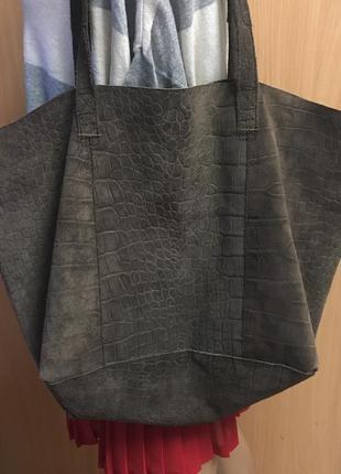 Вместительная замшевая сумка-шоппер