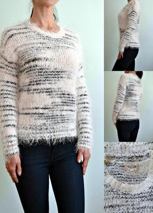 Мягкий нежный свитер-травка