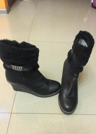 Ботинки зимові жіночі