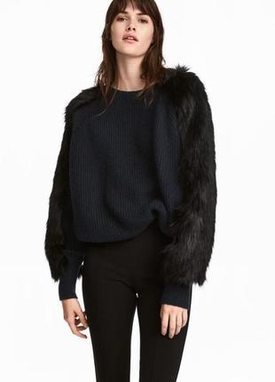 Тёплый, стильный свитер