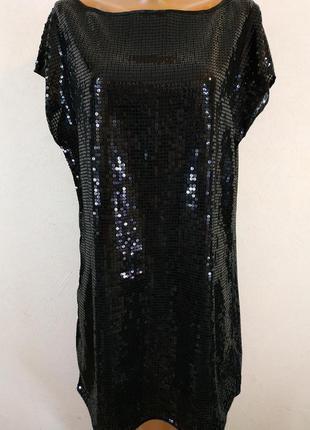 Вечернее платье в паетку