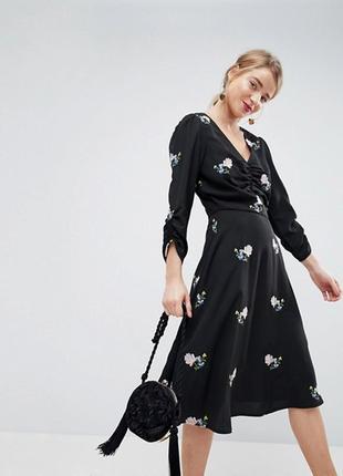 Платье  миди с вышивкой asos,р-р 6