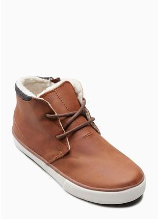 Утепленные ботинки tan chukka boots  от next кеды туфли
