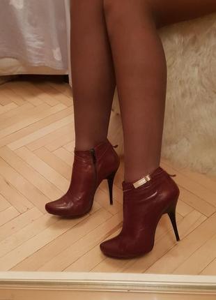 Натуральная кожа винные марсала ботинки на каблуке 38 39
