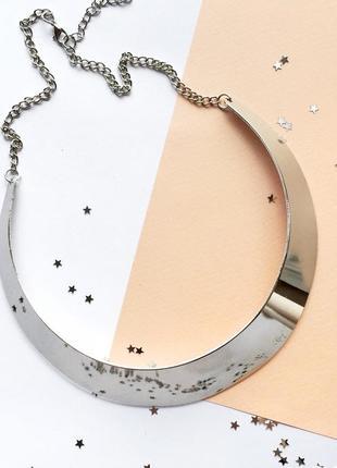 Колье ожерелье. бижутерия. модное металлическое колье ожерелье.