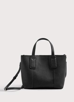 Новая маленькая сумка в руках или на плечо от mango