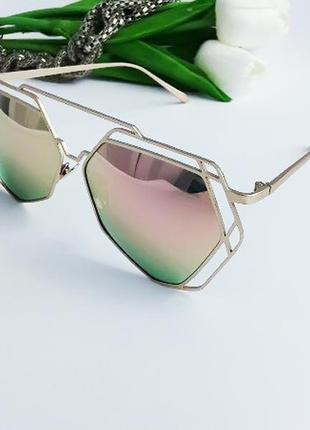 Солнцезащитные очки с розовой линзой,polarized