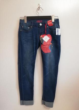 Женские джинсы американской фирмы,хорошо тянутся.новые