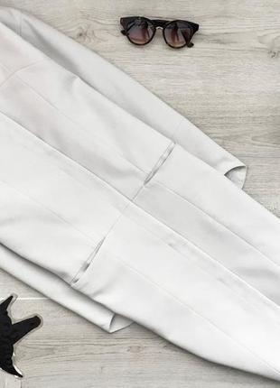 Актуальное легкое пальто бледо-серое прямого покроя  ahlens