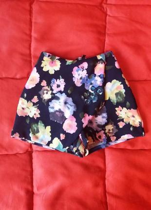 Шорты-юбка в цветочный принт с высокой талией