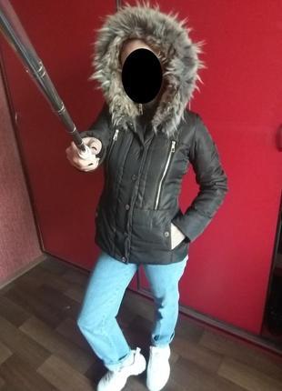 Теплая приталенная куртка с большим мехом lipsy london