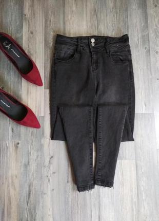 Стильные плотные джинсы скинни с высокой посадкой талией