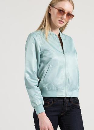 Бомбер куртка ветровка на молнии мятного цвета от  noisy may