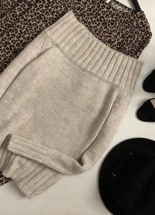 Красивейший свитер со спущенными плечами zara