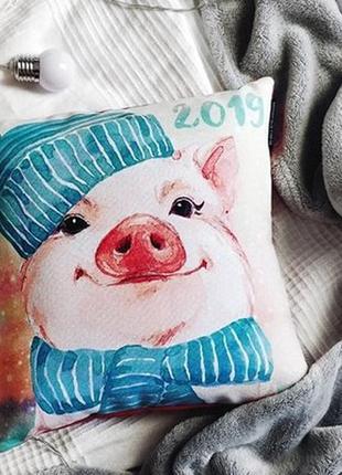 Подарочная подушка со свинкой
