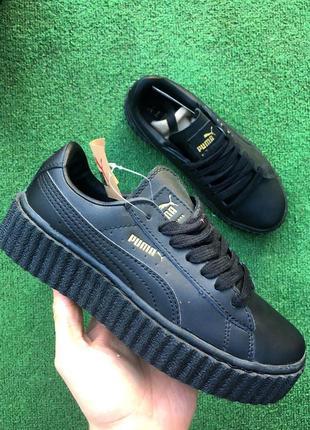 Кроссовки чёрные на платформе