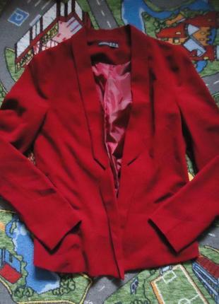 Яркий пиджак блейзер с карманами