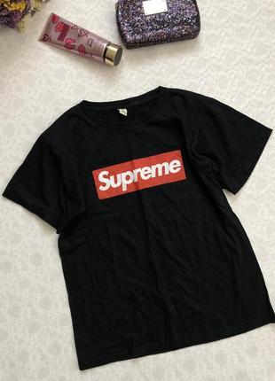 Стильная футболка supreme м - размер