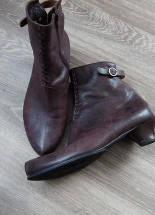 Оригинальные кожаные ботинки ботильоны think! р. 41