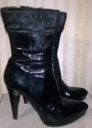 Женские осенние сапоги на высоком каблуке
