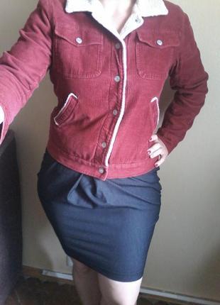 Вельветовая курточка бордового цвета