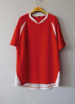 Яркие спортивные футболки