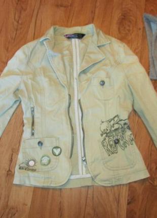 Оригинальный пиджак куплен в англии хс