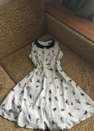 Нежное шифоновое платье с воротничком