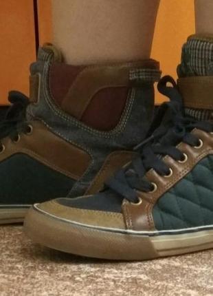 Кеды, ботинки, сникерсы, кроссовки.