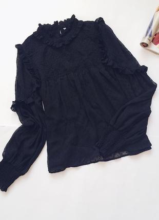 Красивенная блуза с воланами чёрная прозрачная в горошек