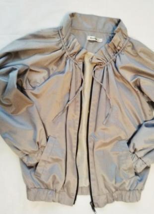 Gestus куртка ветровка спортивная лёгкая беж