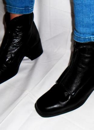 Кожаные ботинки,ботильоны,полусапожки итальянского бренда vera gomma с молнией