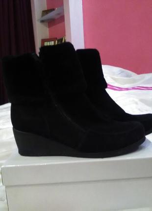 Зимние,замшевие ботинки от oronzo